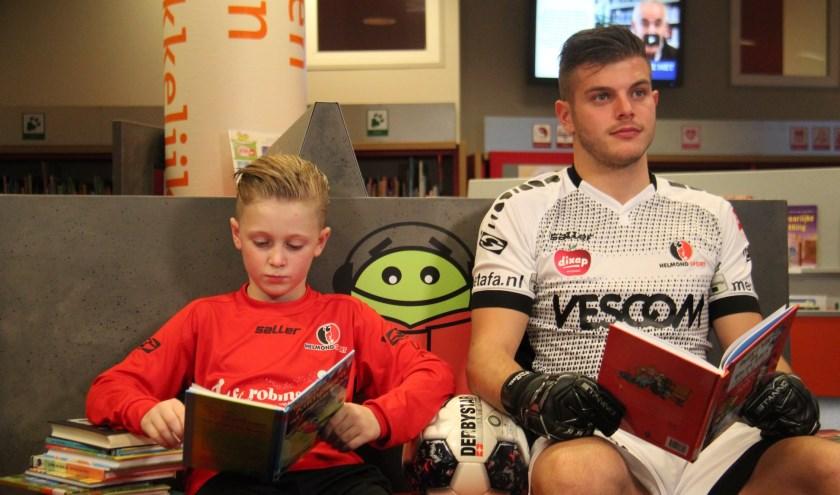 Helmond Sportdoelman Stijn van Gassel moedigt de leerlingen aan via videoboodschappen.