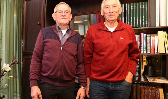 Bert Wijnen en Jan van Thiel hebben zich op allerlei vlakken dienstbaar gemaakt aan de maatschappij. (foto: Marco van den Broek)