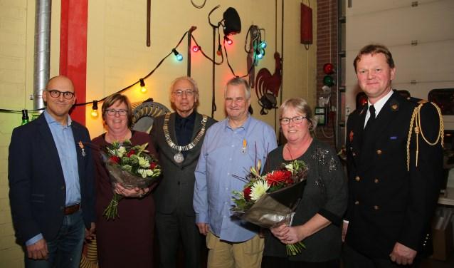 De heer Derks en de heer Severs ontvingen beide een Koninklijke Onderscheiding. FOTO: Alex de Kuijper