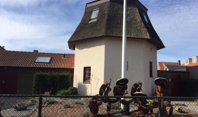 Over wonen en werken in een oude molen merkt Karin vaak dat mensen interesse hebben in hoe de inrichting er vanbinnen uitziet, of hoe een atelier in zo'n apart gebouw eruit ziet.