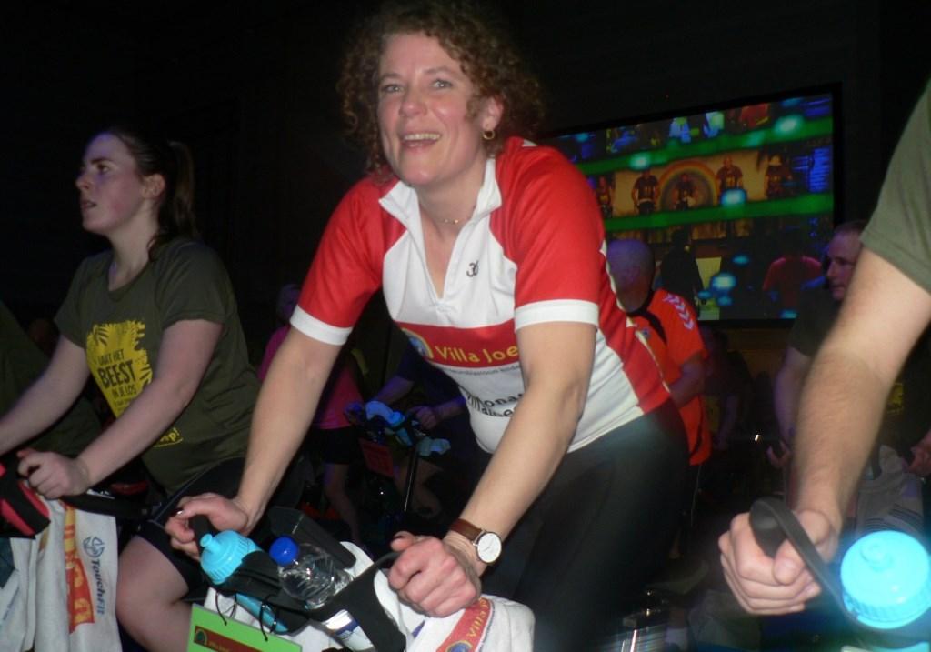 Leontine Heisen verloor haar zoontje Joep aan neuroblastoom kinderkanker. Zij fiets nog elk jaar mee op het spinning evenement in de sporthal Holy voor Villa Joep. (Foto: Peter Spek)