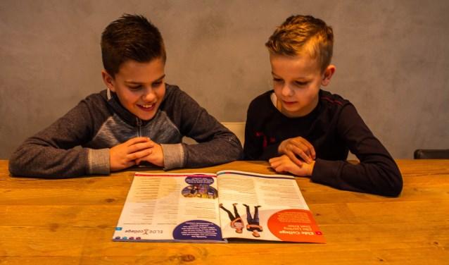 Tim en Sem zitten in groep acht en moeten op korte termijn besluiten naar welke middelbare school ze gaan. Ze bereiden zich goed voor door folders te lezen en naar de open dagen te gaan.