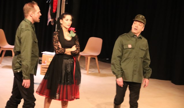Het was een genot om te luisteren naar de opera Carmen. De zaal was tot de laatste plaats uitverkocht.