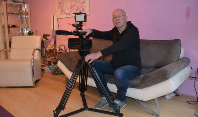 Cineast John Meijer zit al weer vol plannen. Zo wil hij onder andere specials gaan maken over Haagse bands.