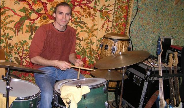 """Drummer Beinte Groen: ,,Wij vinden dat muziek vooral leuk moet zijn om te spelen en te luisteren."""" (foto Gerreke van den Bosch)"""