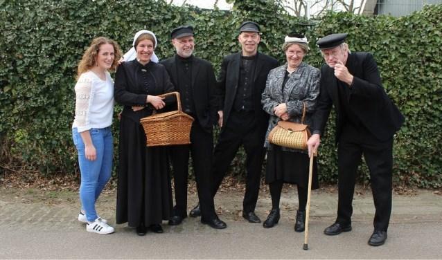 Jan Gerdes (derde van rechts) debuteert dit jaar als Tone. Hij is de opvolger van Harry Leferink, die in 2017 afscheid nam. Foto: Anke Abbink
