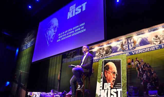 Youri van den Busken, schrijver van het boek 'Kist'. (foto: Roel Kleinpenning)