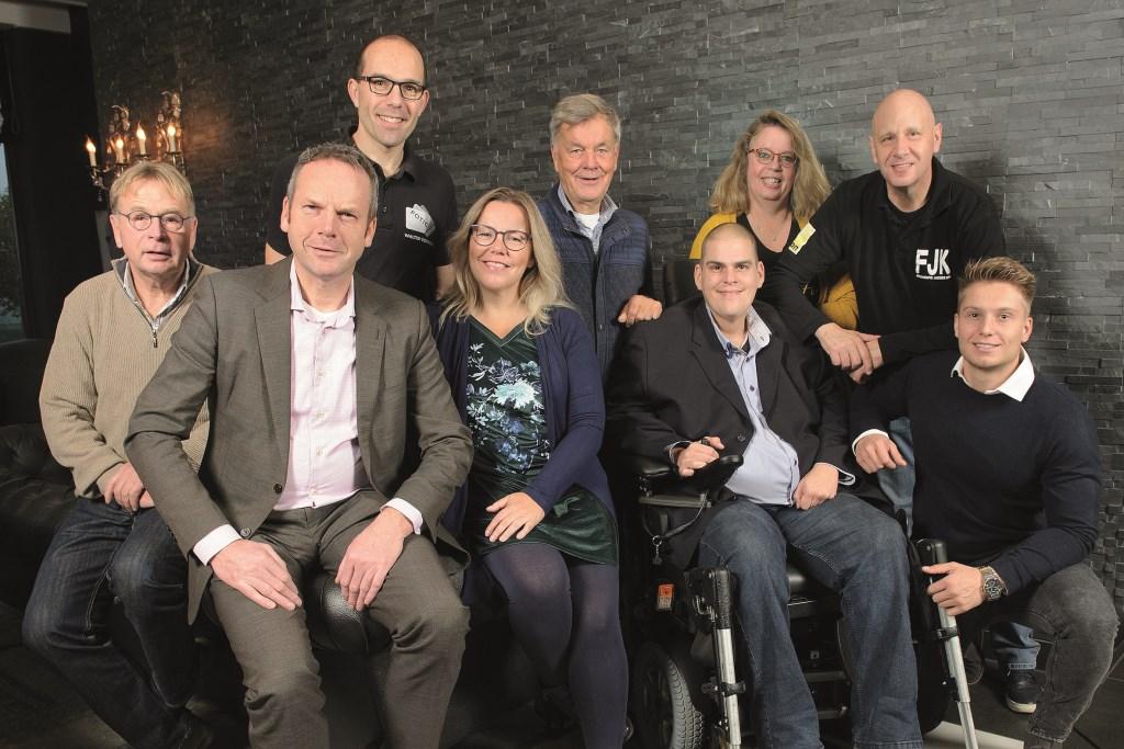 V.l.n.r.: Hugo Boschker, Johannes Goossens, Walter Verwaal, Annemieke Kok, Henk Nijland, Mathieu Maanders, Dianne de Geus, Jacques Kok en Frank Versteege (Foto: Fotografie Jacques Kok).