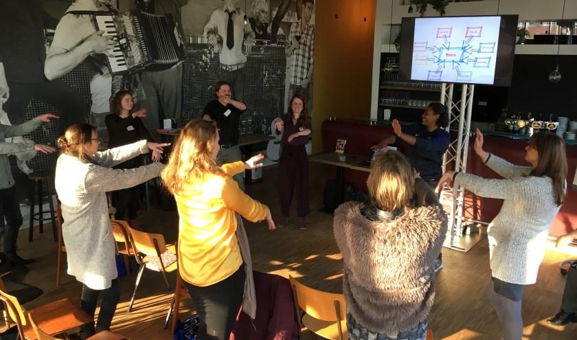"""Nubia Eilander, Buurtsportcoach Centrum: """"Gelukkig kunnen wij door lichaamstaal onze Nederlandse taal ondersteunen door in dansexpressie gevoelens te uiten die we allemaal kennen."""""""