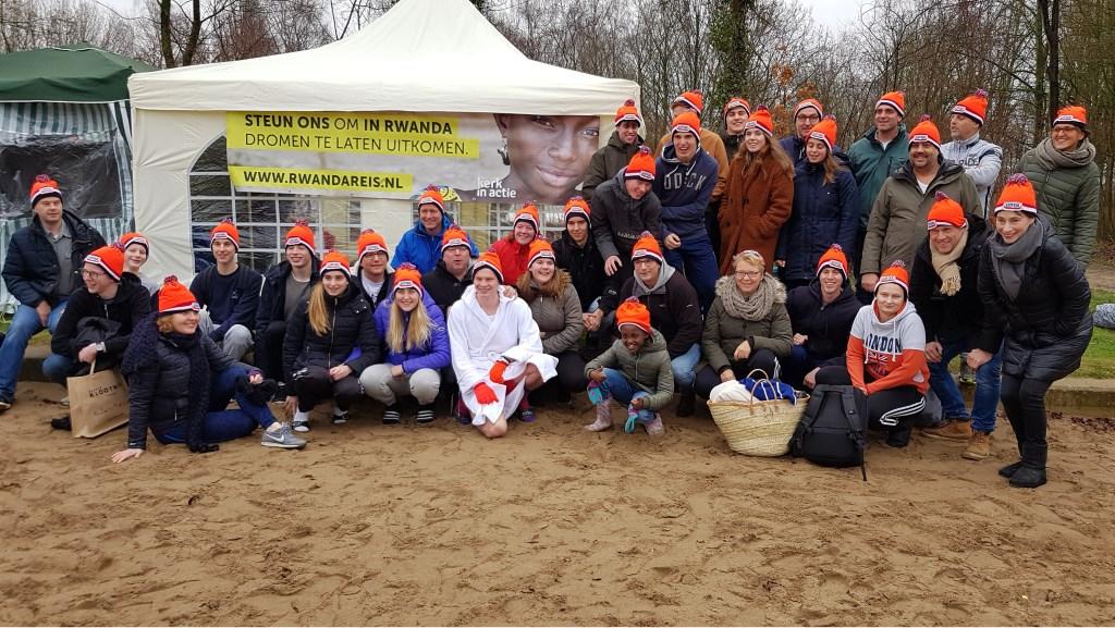 Jongeren, leiding en sponsoren. Foto: Rita Verboom © Persgroep