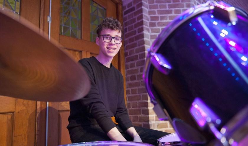 Jimi Hendriks is slagwerker bij muziekvereniging Udi en heeft een eigen compositie geschreven. (foto: Ellen Koelewijn)