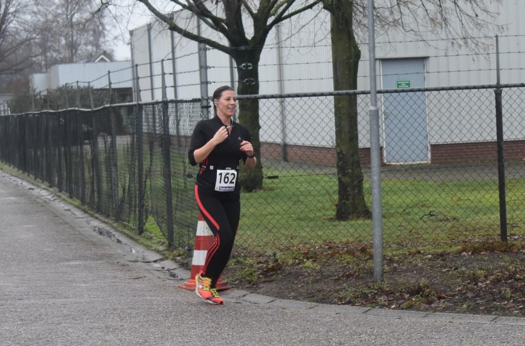 Christa van 't End uit Opijnen behaalde de derde plaats bij de tien kilometer met een tijd van 55.22. Foto:  © Persgroep