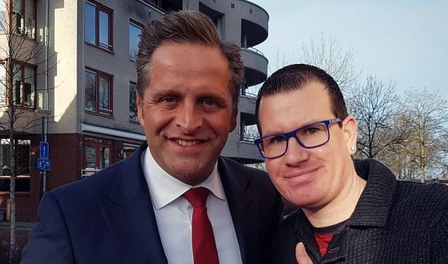 Met de minister op de foto. BN-watcher Erwin van Veldhuizen lukte dat. Minister Hugo de Jonge was in Veenendaal en vond het geen probleem.