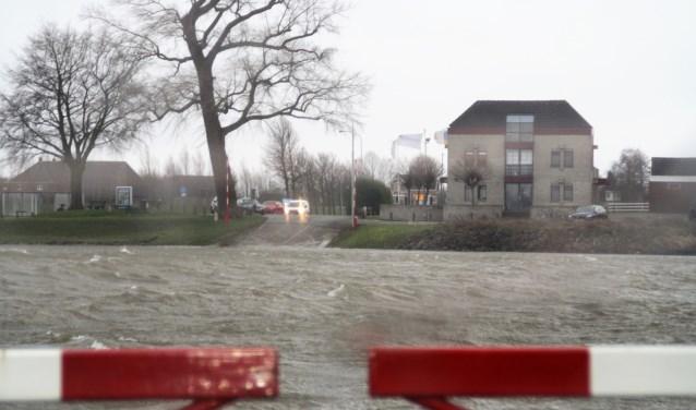 Tot en met 15 maart kunnen gedichten ingezonden worden voor de poëziewedstrijd van Het Stroomhuis: 'Bakens aan de rivier'. De finale wordt gehouden op vrijdag 12 april. Foto: Hans Baars