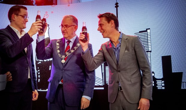 Officiële opening door burgemeester Aboutaleb, Jaap Wassink (VP & Country Director Coca-Cola European Partners Nederland) en Ben Bijnens (Country Director