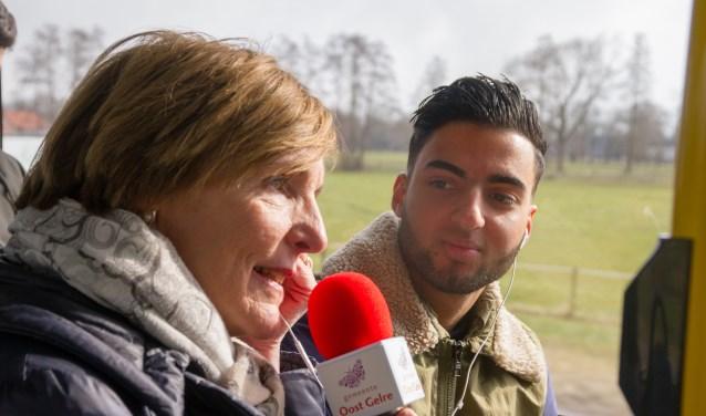 Burgemeester Annette Bronsvoort ging zelf op pad om jongeren te vragen of ze geïnteresseerd zijn in de politiek en gaan stemmen op 21 maart 2018.