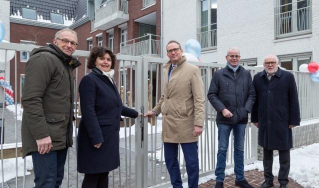 De opening van Pantein Hof van Loon werd afgelopen vrijdag verricht door de Raad van Bestuur. (Foto: Albert Hendriks)