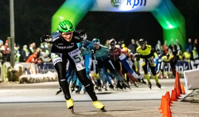 Winnaar bij de vrouwen Rixt Meijer plaatst de beslissende jump.