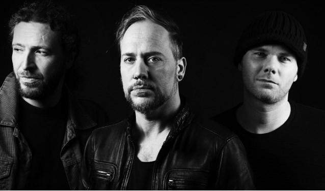 The New Shining vlnr R (Arjan Nijman), Nax (Xander Stok), Roel van der Sluis (Foto: Fotostudio POPpictures)