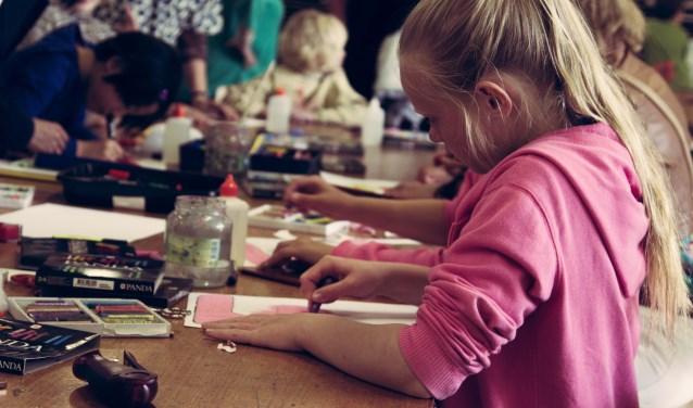 De Kaliber Jeugdkunstacademie is bedoeld voor kinderen en jongeren met bovenmatig veel interesse in kunst.