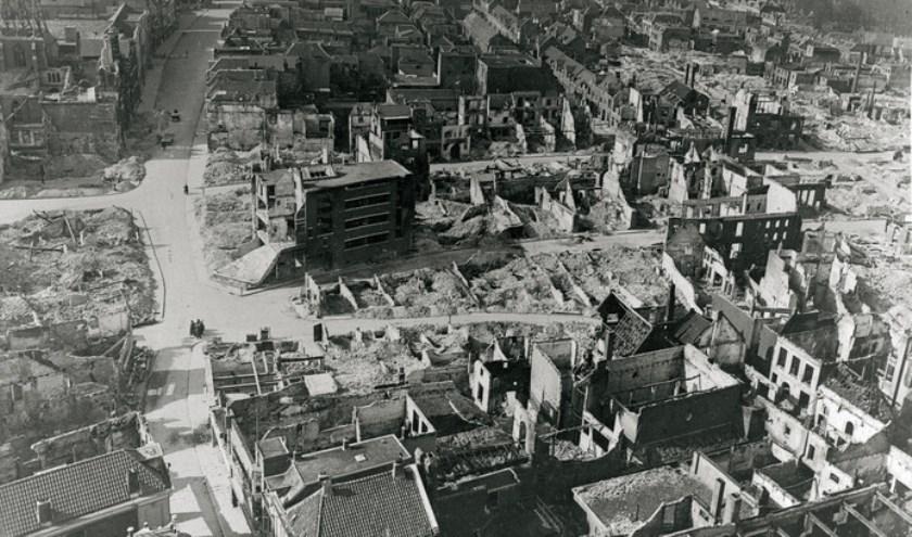 De verwoeste binnenstad van Nijmegen na het bombardement van 1944. (Foto: Regionaal Archief Nijmegen)