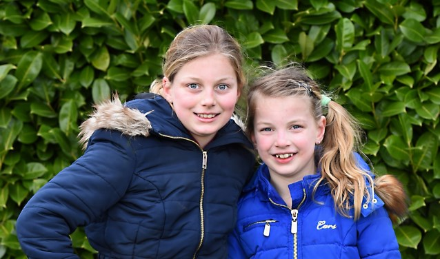 Karlijn (10) en Loes (7) uit Silvolde.