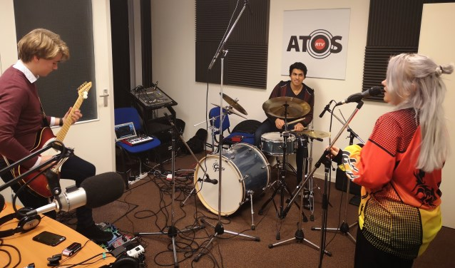 De band Blue Monday is een van de vele muzikale talenten van ATOS Talentstage en tevens de februari ATOS Maandtopper met nummer 'Lila'.