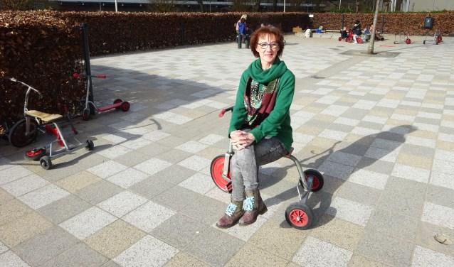 Nel Schalk (61) is op 9 maart precies 40 jaar werkzaam op Daltonschool De Poorter in Gorinchem. (Foto: Eline Lohman)