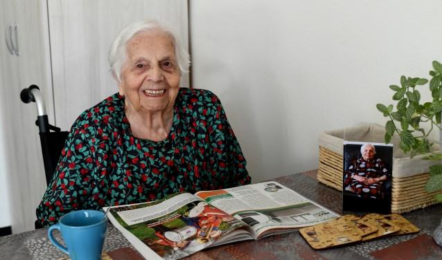 Anneke Lavrijsen-van der Zanden, al 100 jaar dankbaar, lief en vrolijk. Foto: Jan Wijten