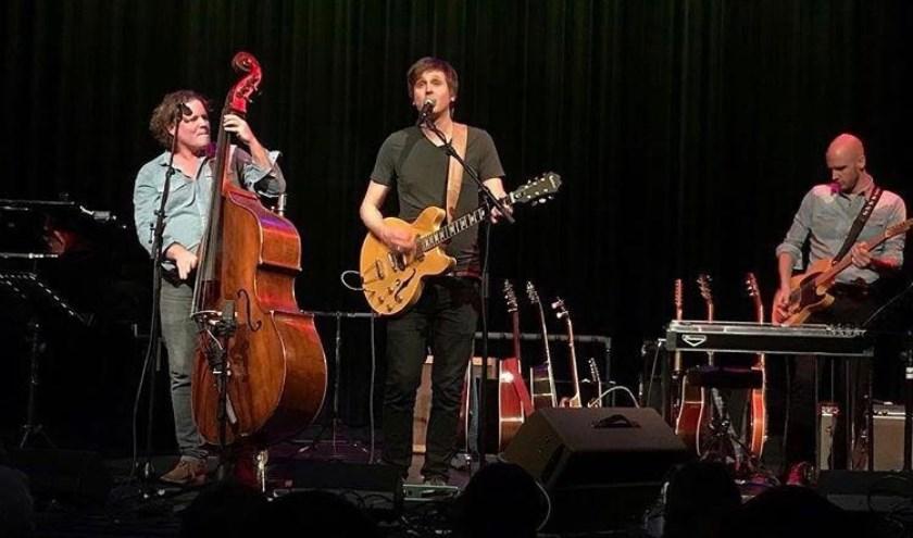 Bertolf speelt muziek van zijn nieuwste album en de allermooiste liedjes van z'n vorige platen. Al dit fraais wordt aangevuld met songs van zijn muzikale helden zoals Paul McCartney, Bob Dylan en Paul Simon.