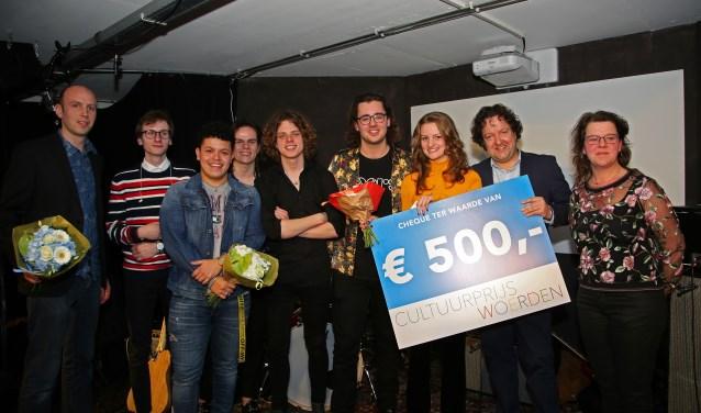 Sofie de Bruijn wint Aanmoedigingsprijs van Cultuur Platform Woerden. FOTO: Alex de Kuijper