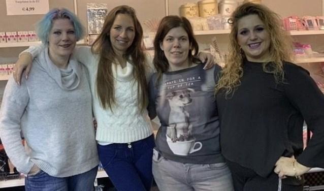 De organisatie met van links naar rechts Melanie Scholte, Cindy van Houwelingen, Annemarie Dirven, Selcan Ercan.