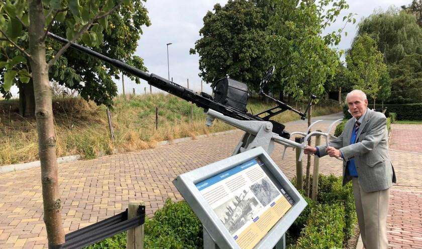 Jim-Anderson tijdens een bezoek aan het Bevrijdingsmuseum Zeeland te Nieuwdorp in de zomer van 2018. FOTO: BEVRIJDINGSMUSEUM ZEELAND