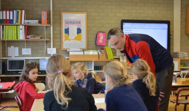 Sieger M. Geertsma, poetry slammer, kunstenaar en schrijver, kwam op de Montessorischool. (Foto: Corine Veldman)