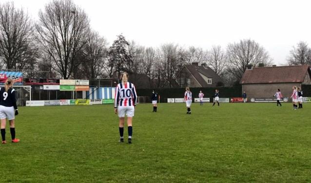 RWB Vrouwen Zaterdag hebben zaterdag met 3-5 gewonnen van Blauw Wit'81.