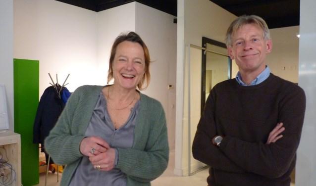 Evelien Raap en Marius Keij vertellen enthousiast over de mogelijkheden die het Energiecentrum hen biedt om energiebesparing en –opwekking binnen ieders handbereik te brengen.
