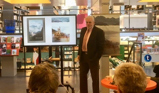 De Didammer Frans Schaars presenteerde onlangs zijn nieuwe boek De Witletingburcht. (foto: Karin van der Velden)