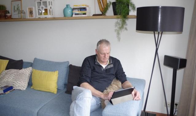 Robert (Job) Pilon is docent Duits aan het CLV en laat leerlingen Duitse kennis opdoen door middel van applicaties. (Foto: Co Keulstra)