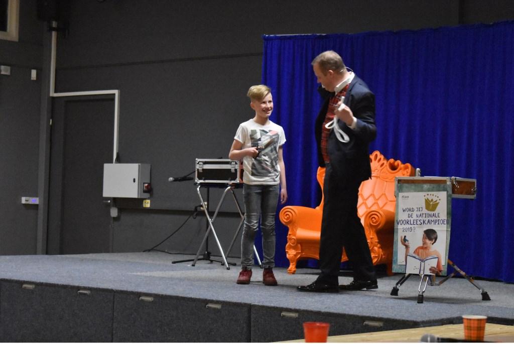 Tijdens het juryoverleg heeft goochelaar Fred-Ric een leuke show verzorgd.  Foto:  © Persgroep