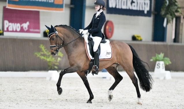 Tessa van Hemert is vorige week Brabantse Kampioene in het Z2 dressuur geworden, de hoogste klasse in de pony dressuur.