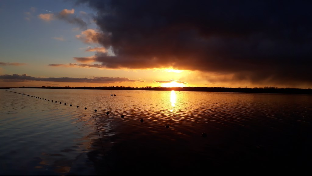 Zonsondergang zondagavond Foto: Ilma pos © Persgroep