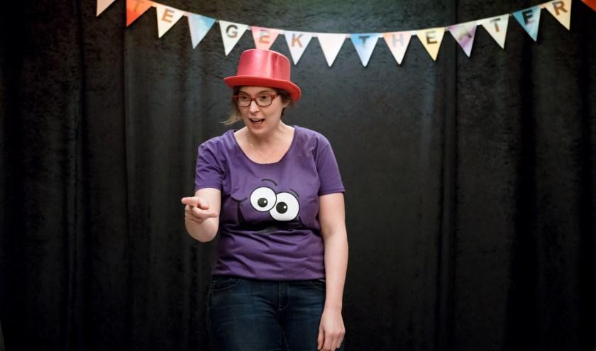 Te Gek Theater is leuk voor kinderen vanaf vier jaar, èn voor hun grote mensen, want ook voor hen worden er grapjes gemaakt.