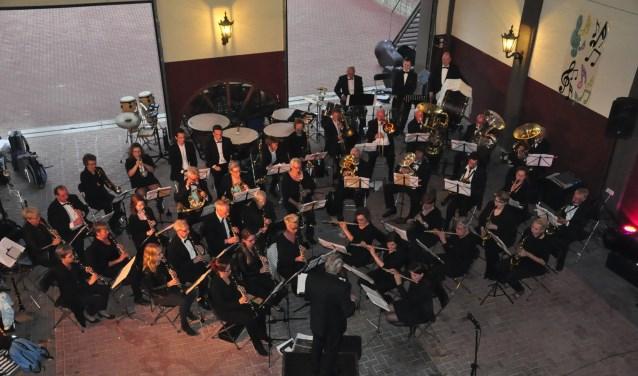 Het harmonieorkest van Crescendo verzorgt zaterdag 16 februari een concert in romantische sferen.