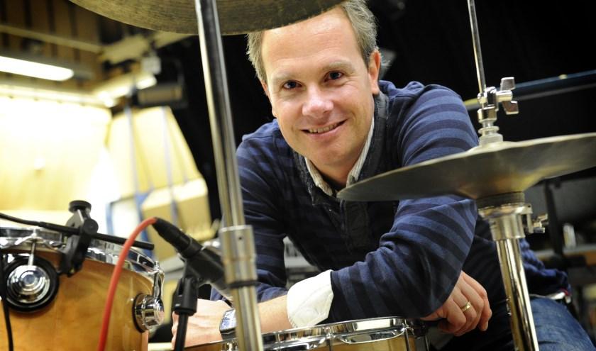 Hans Dekker werkt al vele jaren met de WDR Bigband in Keulen. Vrijdag is hij even terug in z'n geboortestreek.