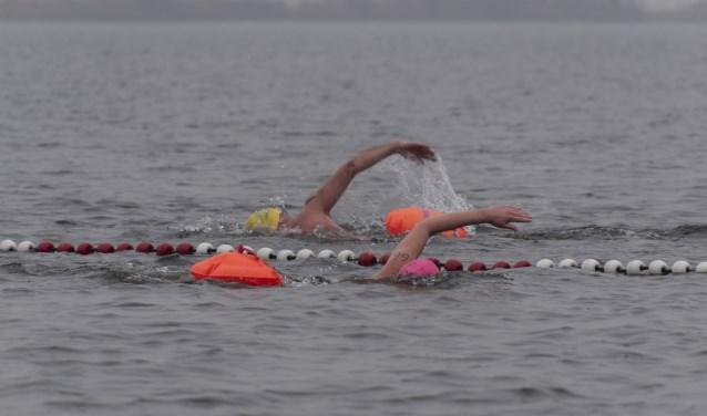 Twee deelnemers aan de 1000 meter.