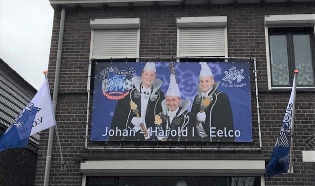 In de Limburgse stad Venlo hangen de vlaggen al uit voor doelman Eelco Jansen van FC Dordrecht Amateurs en zijn vader en zwager.