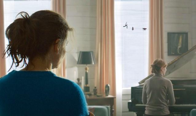 Rifka Lodeizen en Elsie de Brauw  spelen de hoofdrollen. Foto: Davita Dijkstra.