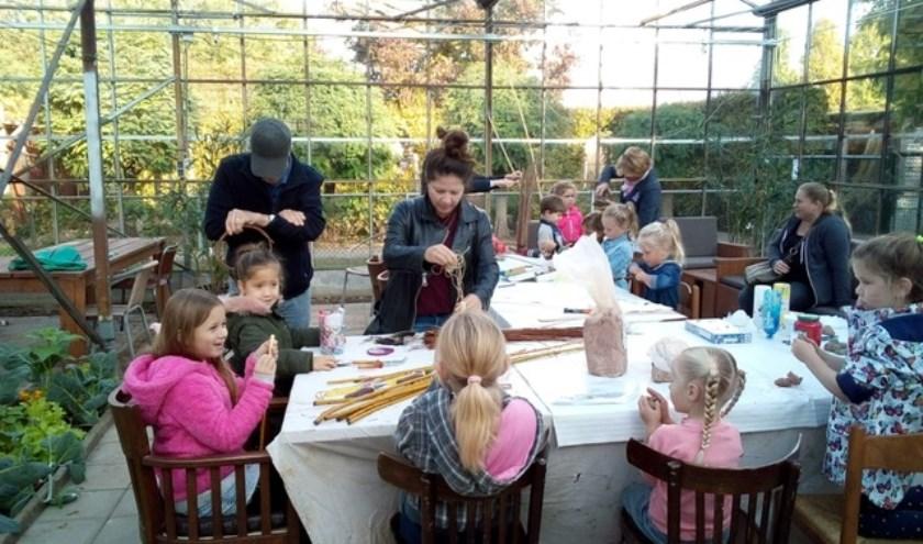 eerdere activiteit voor kinderen met wilgentenen. Foto is gemaakt door Jac de Cock.