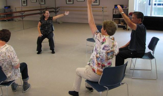 Iedereen kan meedoen met de oefeningen van Gerty Jansen. (eigen foto)