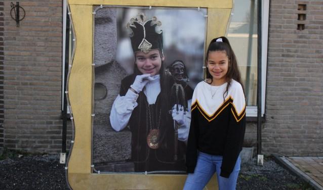 Jenoah Nussy is klaar voor carnaval in Vught, waar ze dit jaar Jeugdprinses Jenoah d'n Urste is. Vught is vier dagen lang Dommelbaorzedurp met als thema 'Heel apart, zo'n blauw geel hart'.